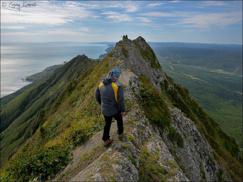 Скальный гребень у вершины Жданко