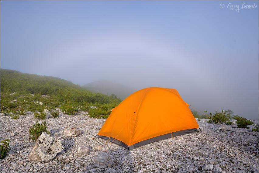 Палатка и гало